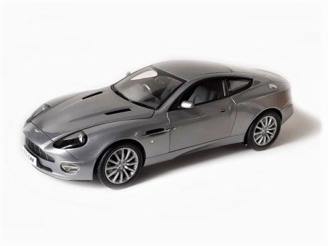 1:12 Kyosho Aston Martin V12 Vanquish 007 Bond Car 08603S