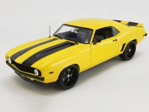 "1:18 ACME 1969 Chevrolet Camaro ""Yellow Jacket"""