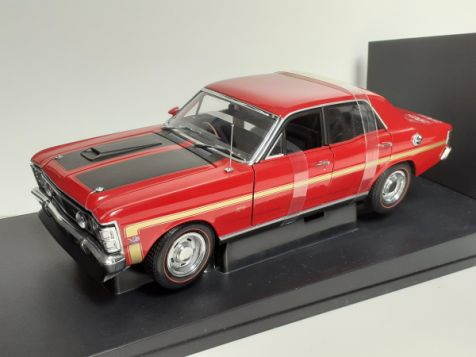 1:18 AUTOart Ford XW Falcon GTHO Phase 2 in Candy Apple Red 72871