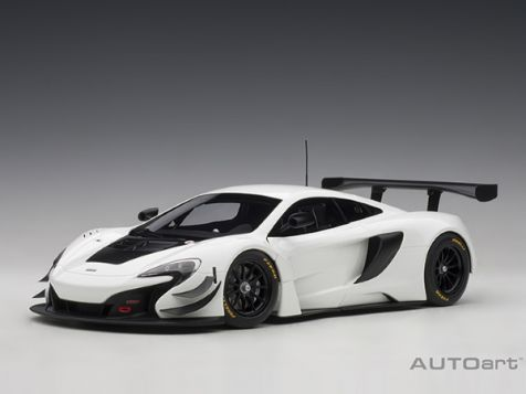 1:18 AUTOart McLaren 650S GT3 in White w/Black Accents