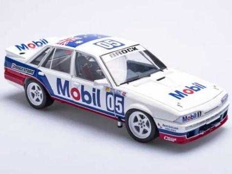 1:18 Biante 1987 Holden VL Commodore #05 Peter Brock ATCC B182703G