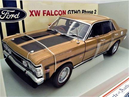 1:18 Biante Classics - XW Falcon GTHO Grecian Gold Phase