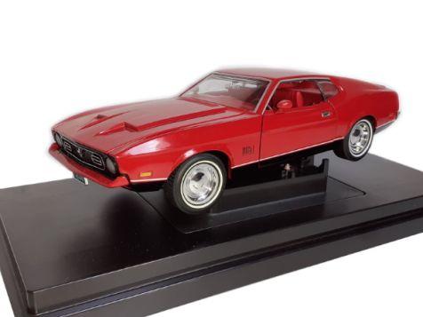 1:18 Sun Star 1971 Mustang Mach 1 Boss 351 - Wimbledon White