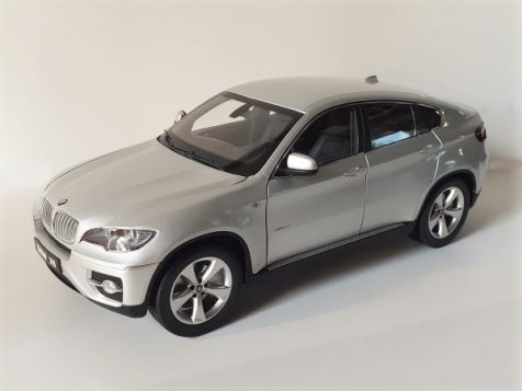 1:18 Kyosho BMW X6 xDrive50i in Silver 08761S