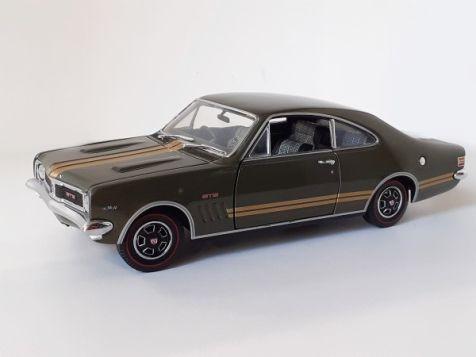 1:24 TRAX 1969 Holden HT Monaro GTS 350 Verdoro Green w/ Gold Stripes