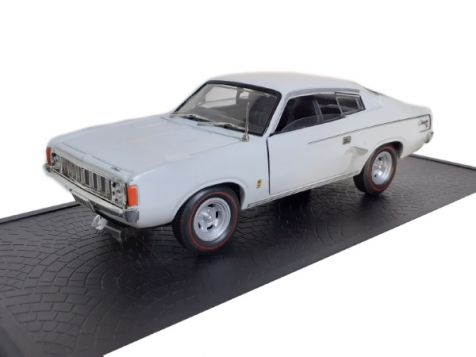 1:32 OZ Legends Chrysler Valiant Charger XL VJ Series in Arctic White
