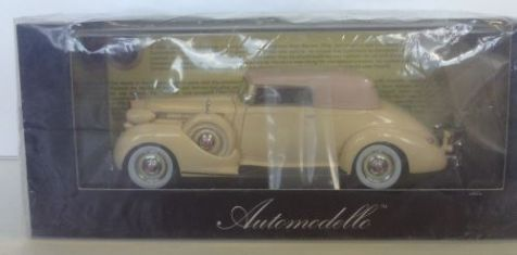 1:43 Automodello 1938 Packard Twelve Convertible Victoria in Ivory White LE 499
