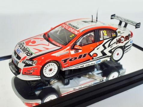 1:43 Classic Carlectables Garth Tander and Will Davison's Year 2009 Holden VE Commodore - 2009 Bathurst Winner