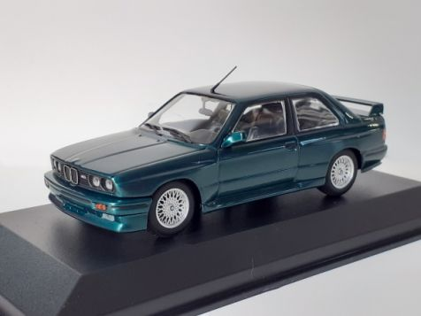 1:43 Maxichamps 1987 BMW M3 E30 in Silver Metallic