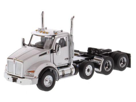 1:50 DM Kenworth T880 Tandem Metallic White SBFA Day Cab Pusher-Axle