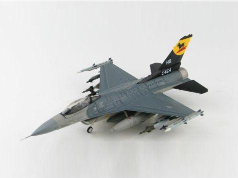 "1:72 Hobby Master Lockheed F-16C 88-0454, 8th FS ""Black Sheep"", Holloman AFB 2017 HA3882"