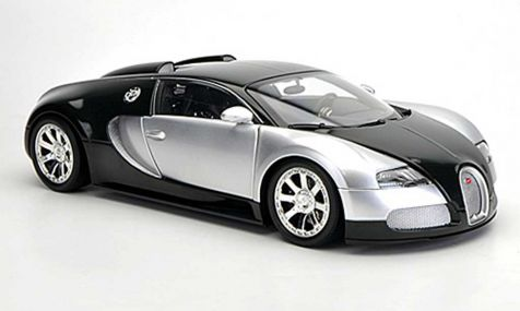 1:18 Minichamps  2009 Bugatti Veyron L'Edition Centenaire Chrome/Green