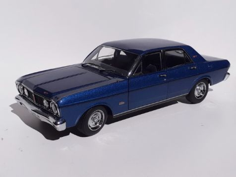 1:18 Classic Carlectables - Ford XT GT Falcon - Starlight Blue