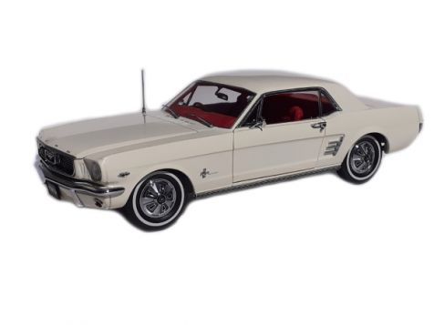 1-18-classic-carlectables-1966-pony-mustang-in-wimbledon-white-with-red-int