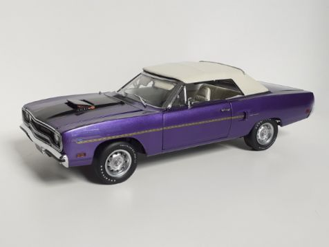 1:18 GMP Plymouth Heads up 1970 Road Runner In Violet