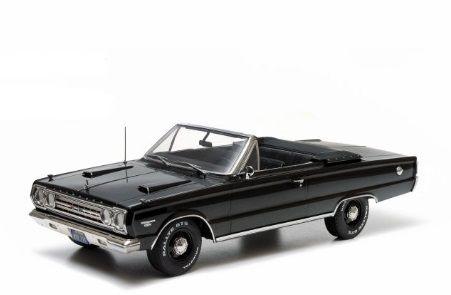 1:18 Greenlight 1967 Plymouth Belverdere GTX Convertible - Black diecast model
