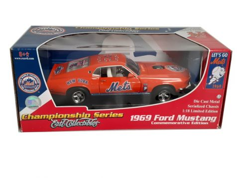 "1:18 ERTL 1969 Ford Mustang ""1969 NY Mets"" 62151 *SG*"