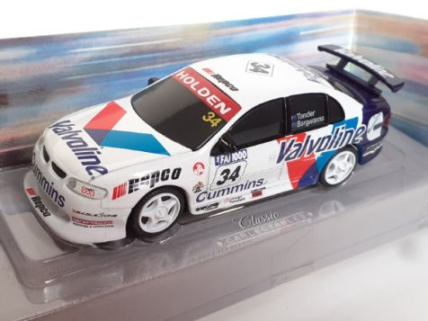 1:43 Classic Carlectables 2000 Bathurst Winners- Garth Tander and Jason Bargwanna- Holden  Commodore