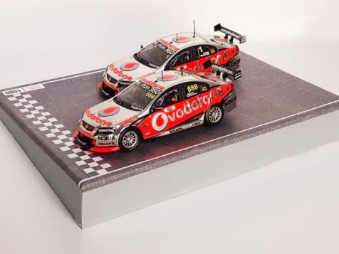 1:43 Classic Carlectables Vodafone VE #888 & #1 2010 Bathurst 1000 winners Twin set Lowndes