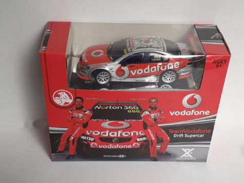 1:24 The Hobby Headquarters Holden Commodore #888 Craig Lowndes HAND SIGNED RC Drift Car