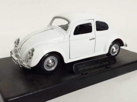 1:24 1955 Volkswagen Beetle in White