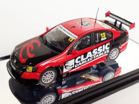 1-43-classic-carlectables-club-year-2013-holden-ve-commodore-in-red-black