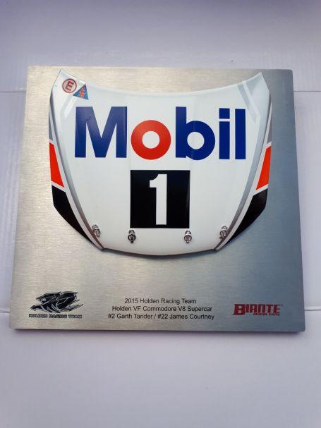 1:10 Die-cast signature Bonnet / Mobil 1