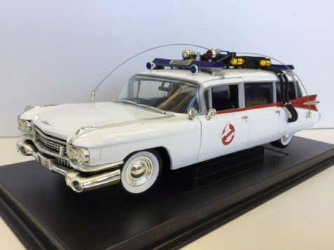 1:21 ERTL Joy Ride Ghostbusters Ecto 1 Diecast Model 33398