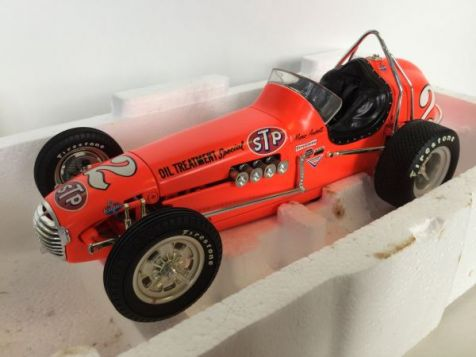 1:18 GMP Mario Andretti / STP Oil Treatment Offenhauser Dirt Champ - Neon Orange - 7624