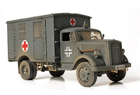 1:32 Forces of Valor GERMAN 4x4 AMBULANCE France, 1940 Diecast Military Model