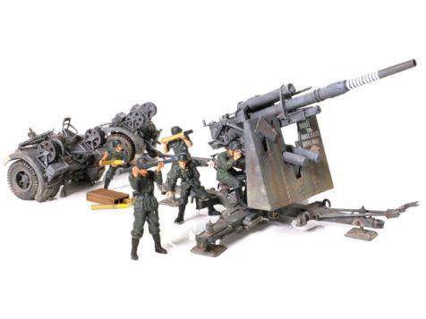 1:32 Forces of Valor German Krupp Flak 36 w/Flak Rohr 36 Gun Barrel & SD.AH.202 Trailer