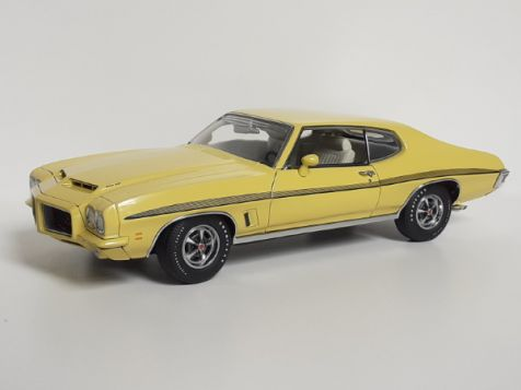 1:18 GMP 1972 Pontiac Lemans - Monarch Yellow diecast model