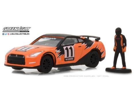 1:64 Greenlight 2011 Nissan GT-R (R35) w/ Race Car Driver