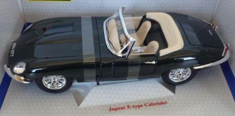 1:18 Bburago Jaguar E-Type Cabriolet 12046