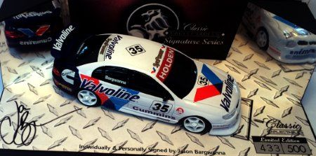 1:43 Classic Carlectables 1999 Signature Series Touring Car Jason Bargwanna's Valvoline Racing Holden Commodore -Signed base