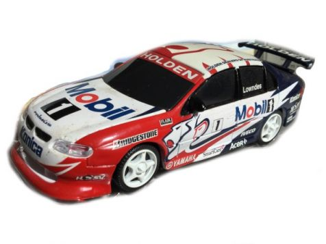 1:43 Classic Carlectables Craig Lowndes #1 MHRT Racing Commodore 1001-3