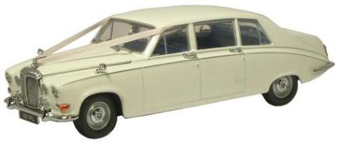 1:43 Oxford Diecast Daimler DS420 Wedding Car DS001W
