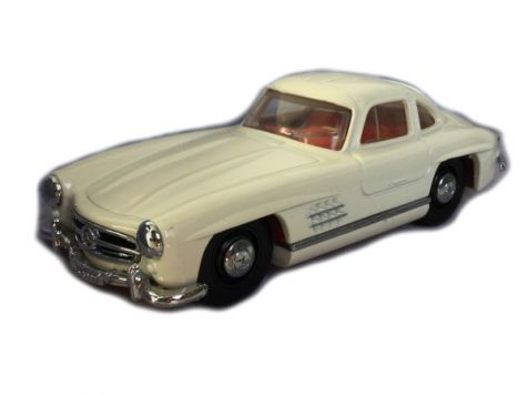 1:43 Dinky Toys 1955 Mercedes-Benz 300SL Gullwing Ivory