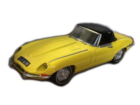 1:43 Dinky Toys 1967 Jaguar E-Type Mk 1 1/2
