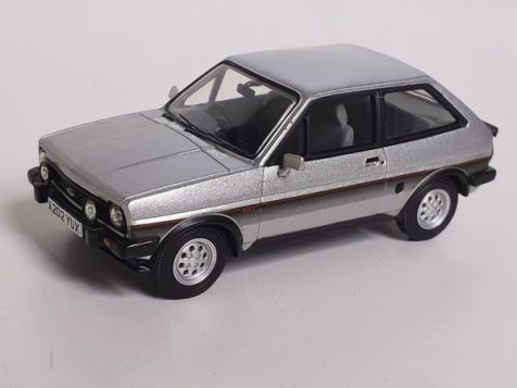 1:43 Vanguards Ford Fiesta XR2 - Strato Silver - VA12501