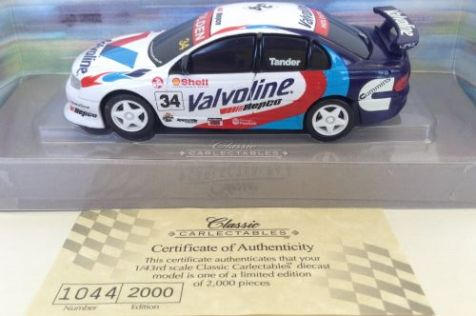 1:43 Classic Carlectables Holden Commodore Valvoline Racing #34 Tander 1034-3