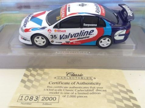 1:43 Classic Carlectables Holden Commodore Valvoline Racing #35 Bargwanna 1035-2