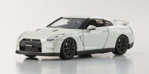 1:43 Kyosho 2014 Nissan Skyline GT-R (R35) in Brilliant White Pearl 03744BW