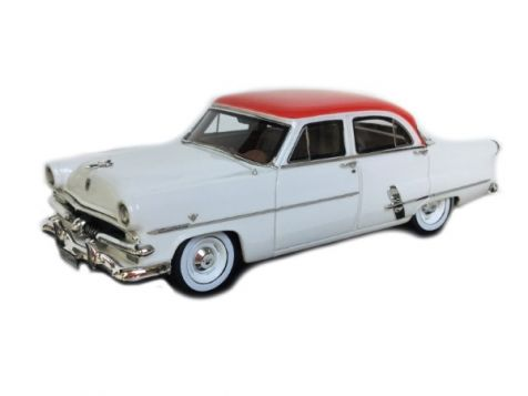 1:43 TRAX 1953 Ford Customline Sedan LHD Red/White